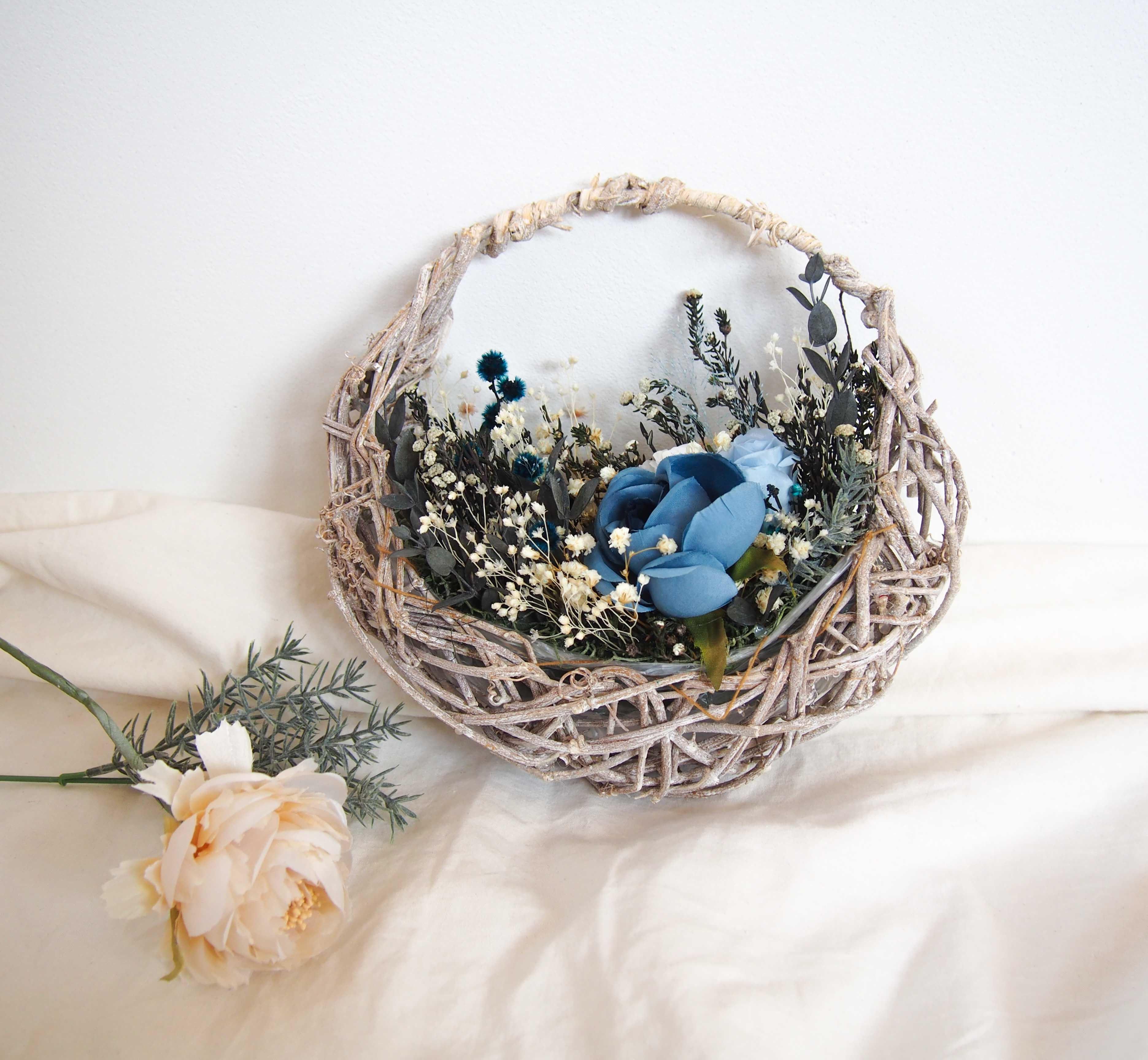 春 色 ▶︎新作 ロイヤルブルー ローズ 小さな 花摘み バスケット アレンジ リース ブーケ