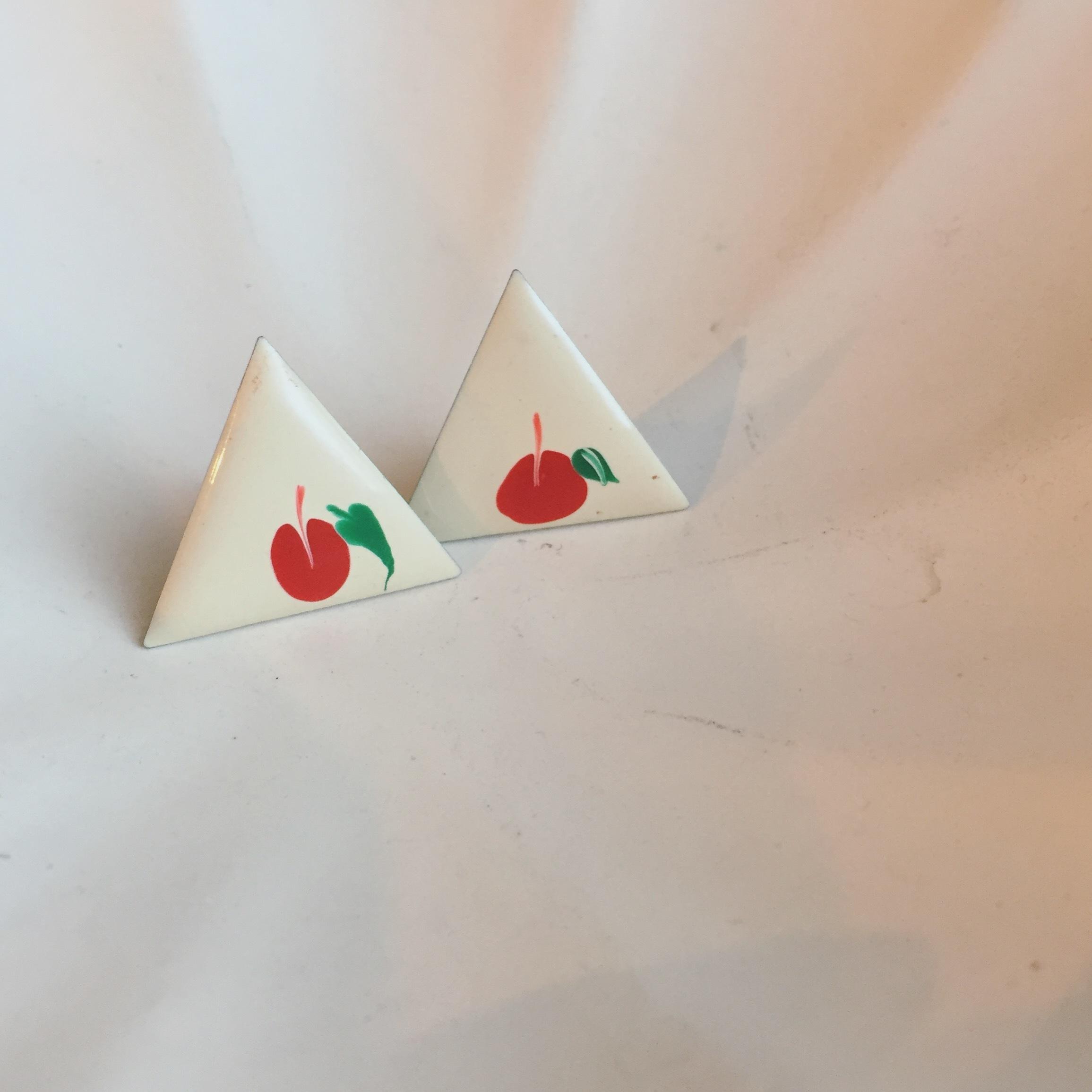 vintage apple pierce