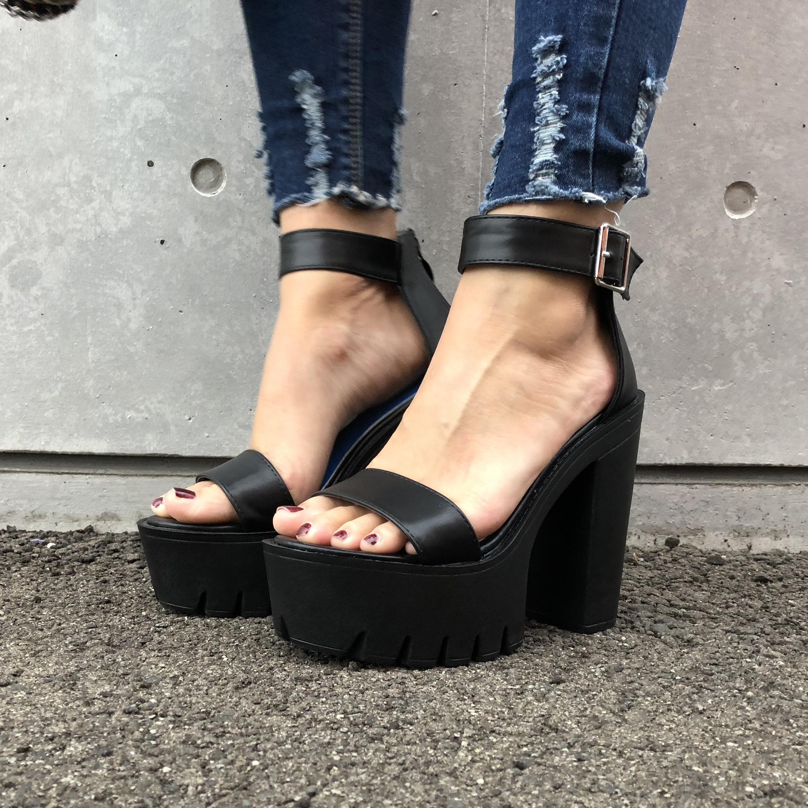 Uncle strap sandal (22.5〜26cm)