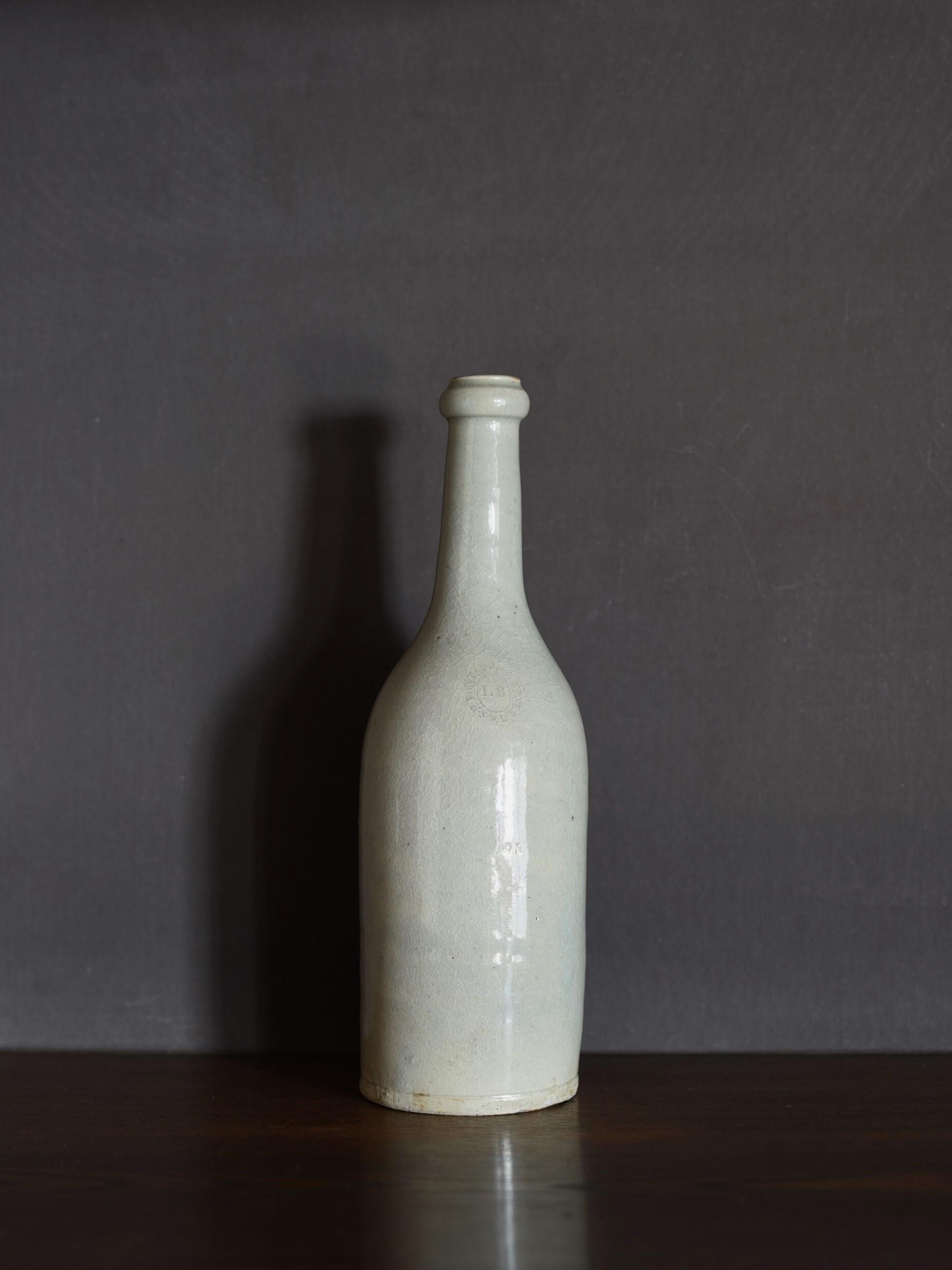 antique   ワインボトル-wine bottle