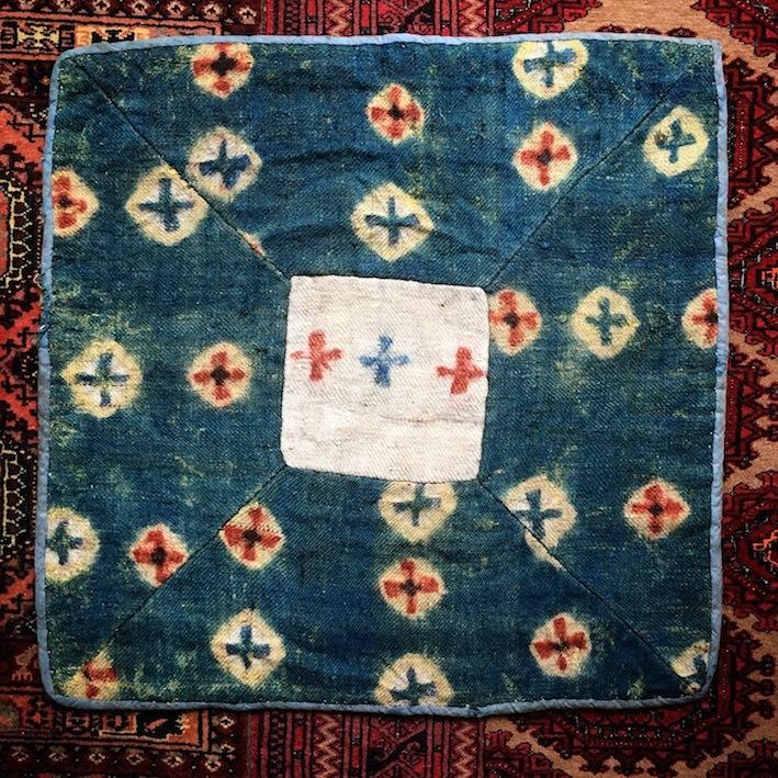 チベット  藍染め十字絞り ラマ座布団
