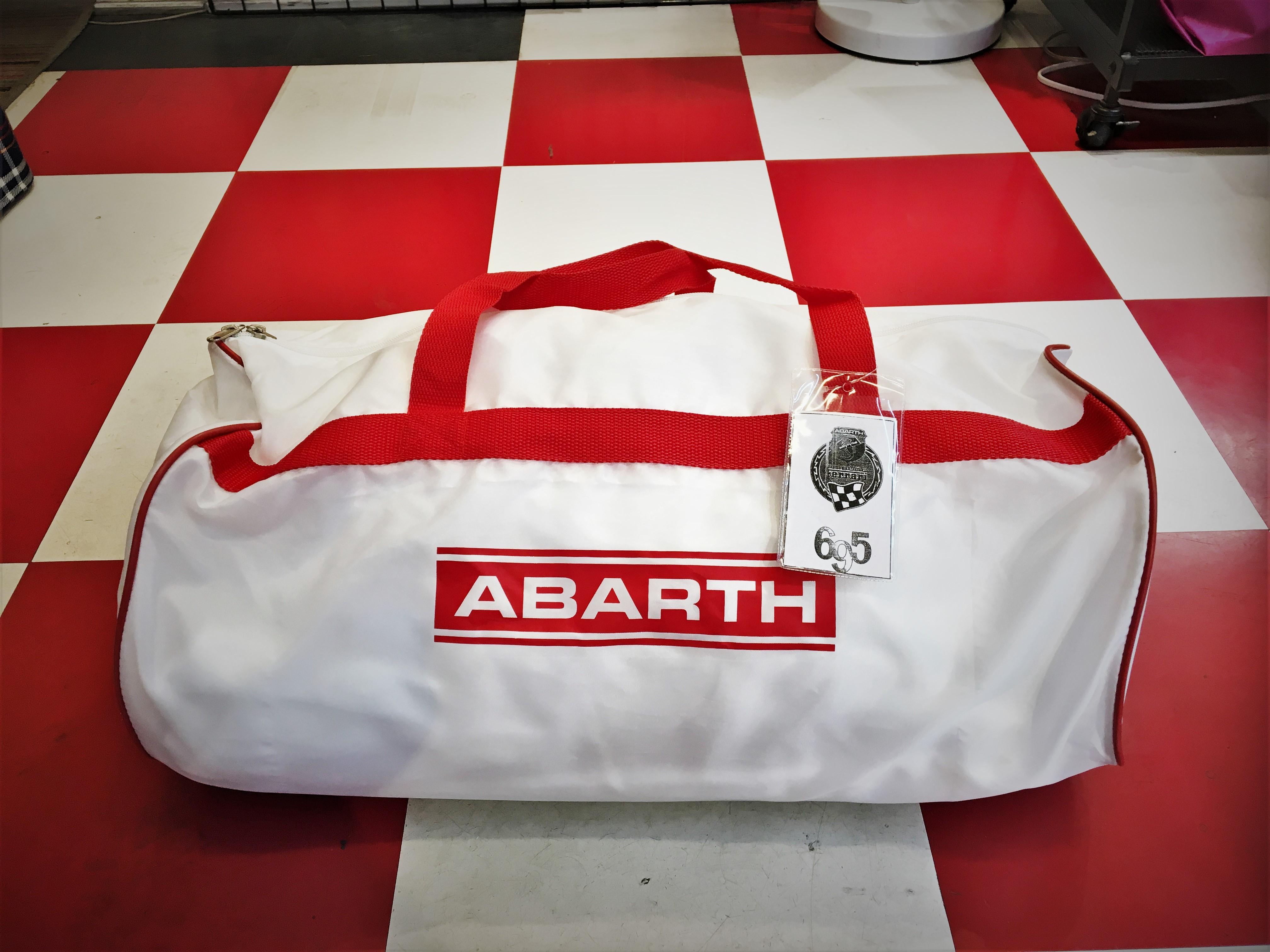 Abarth 695 TRIBUTO FERRARI 純正品 ボディカバー