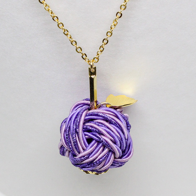 魅惑の香り紫りんご ネックレス