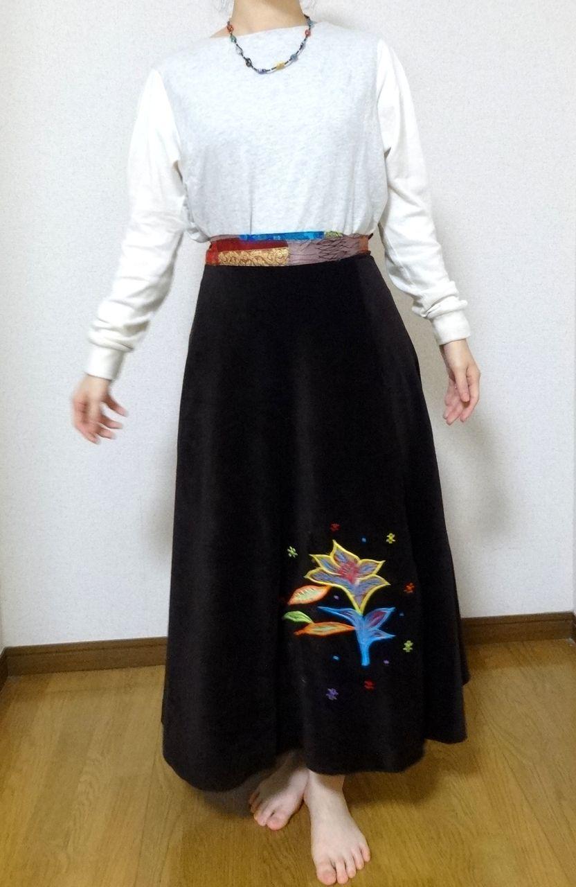 EMS-012BR ベルベット刺繍×シルク巻きスカート 茶色