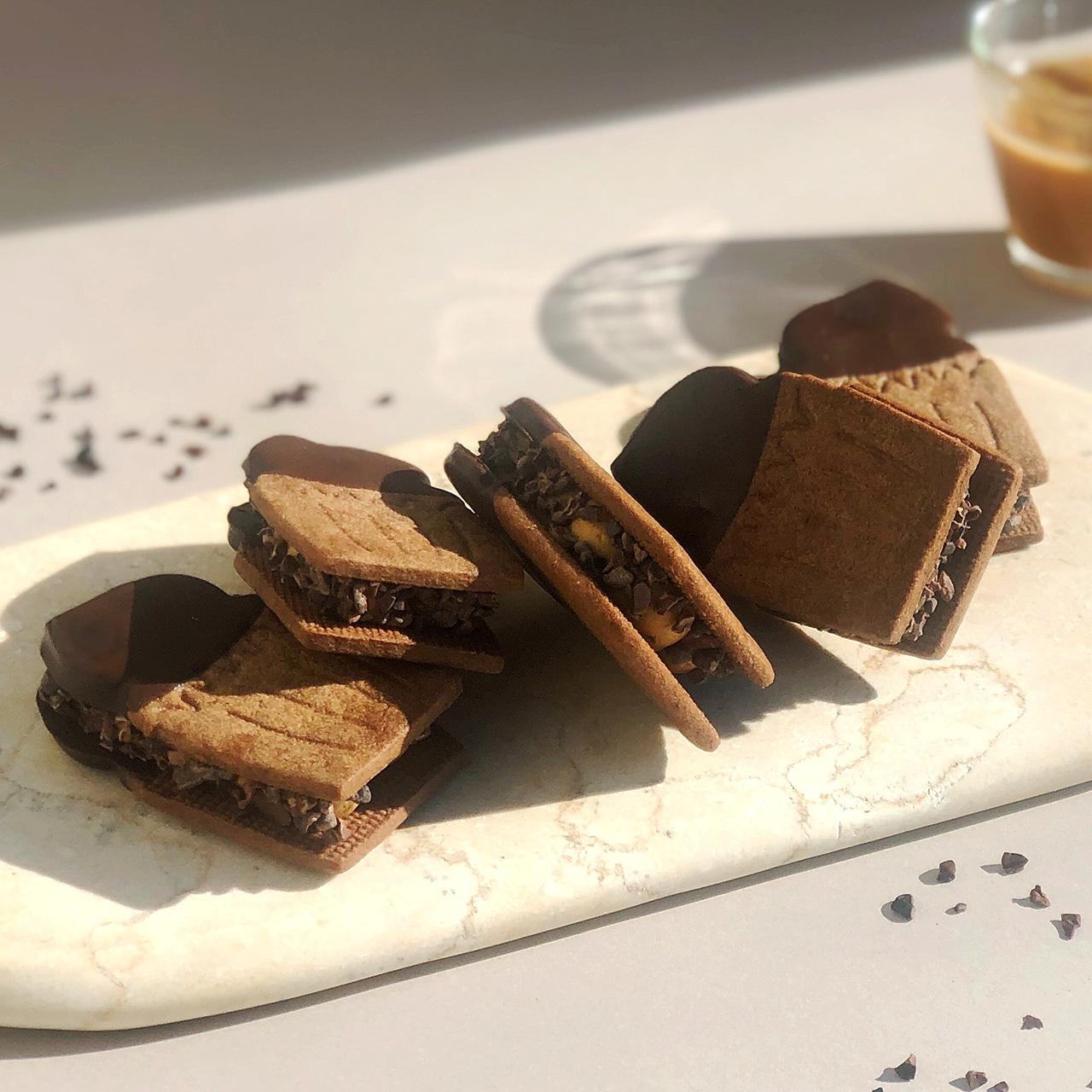 【期間限定】フェアリークリームウィッチ ショコラキャラメル生バターサンド 5個入