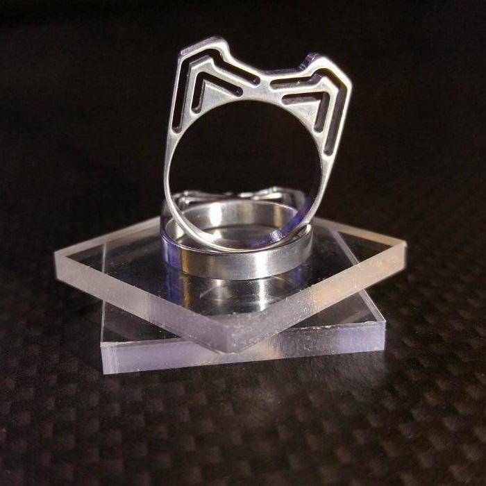 【シングルフレーム猫耳リング(小)】 ジュラルミン製 / プレゼントとしてもおしゃれ