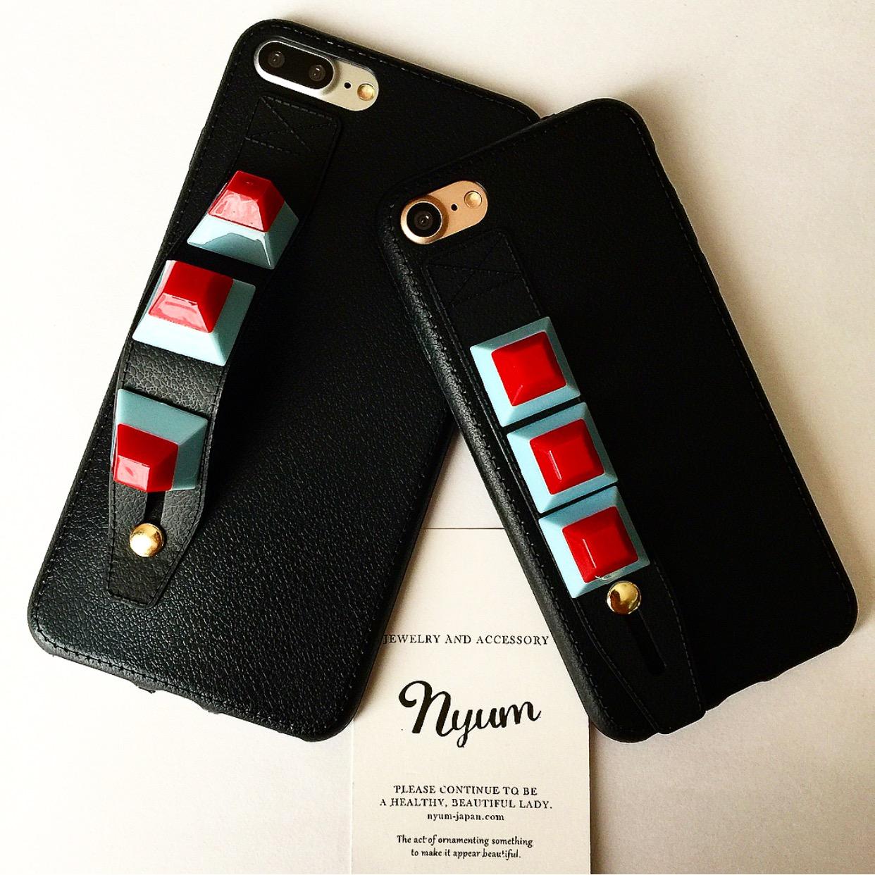 【iphone7/7plus/8/8plus】カラースタッズ持ち手ありiphoneケース ロック