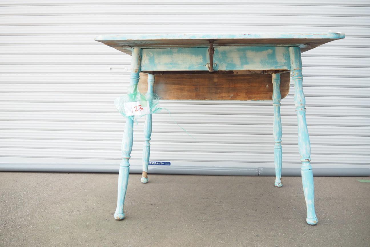 品番0456 ブルーのかわいい折りたためるテーブル 011