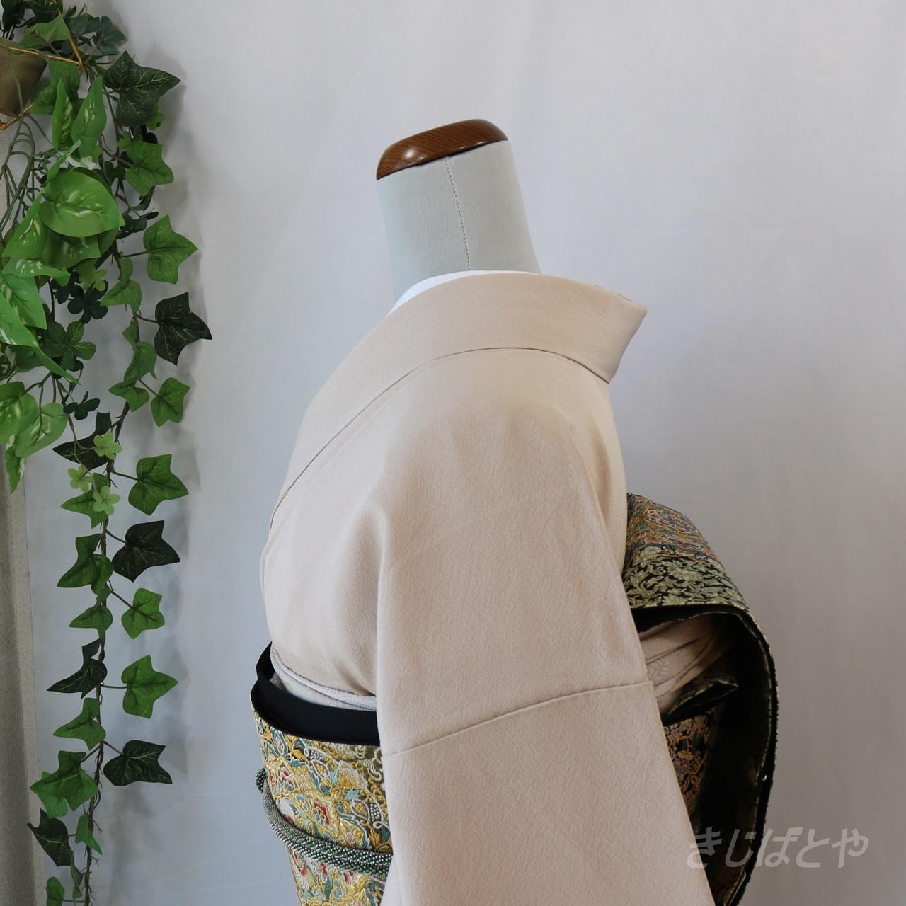 正絹 白茶(しらちゃ)の色無地紋入り 袷 作家物