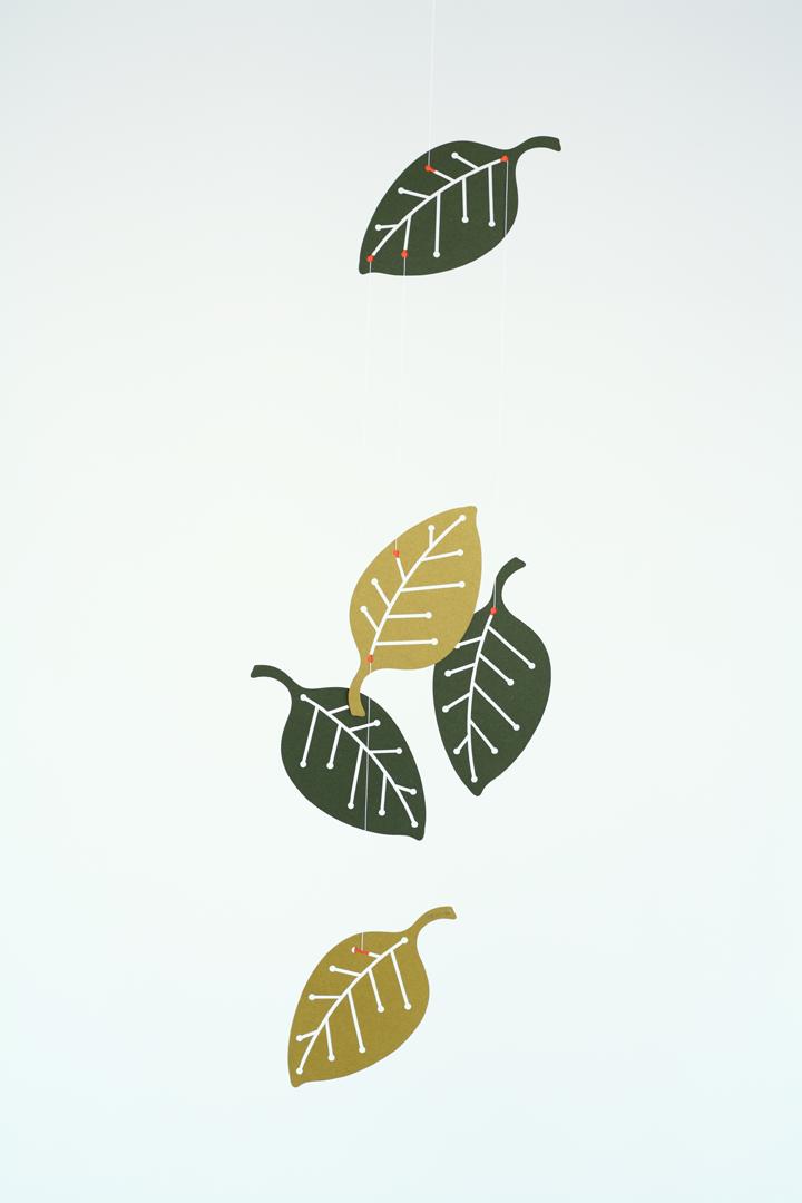 葉っぱのモビールーLeavesー