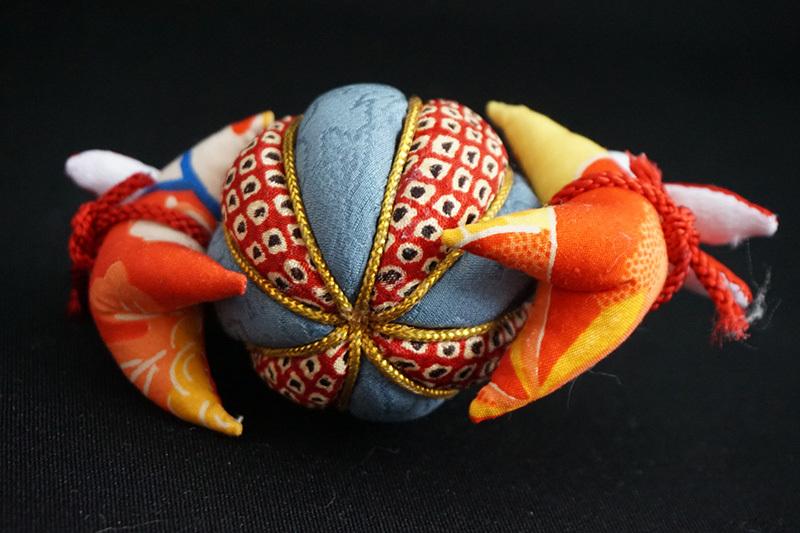 着物、和服の古布人形「うさぎさんと鞠」 - 画像3