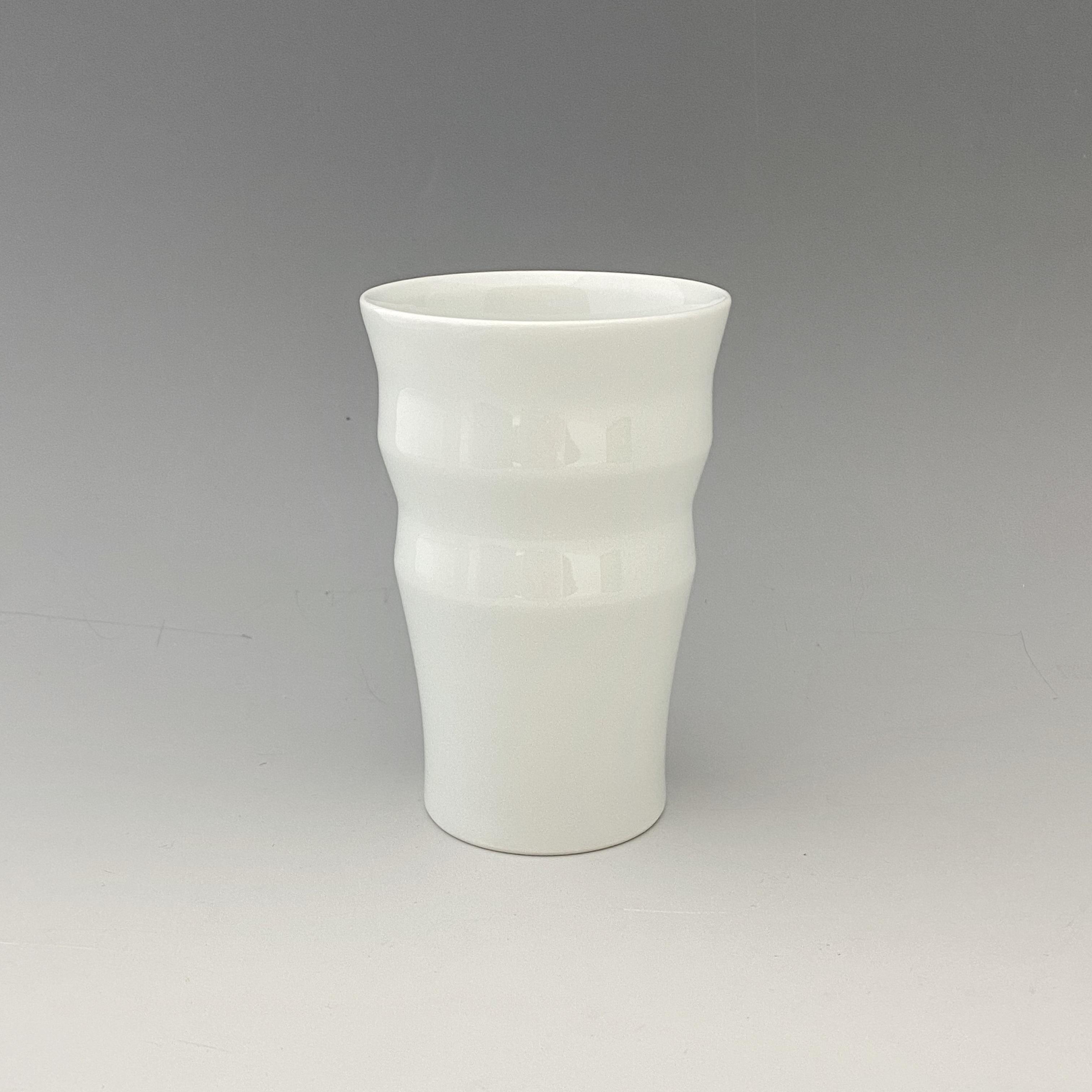 【中尾恭純】白磁二段彫フリーカップ