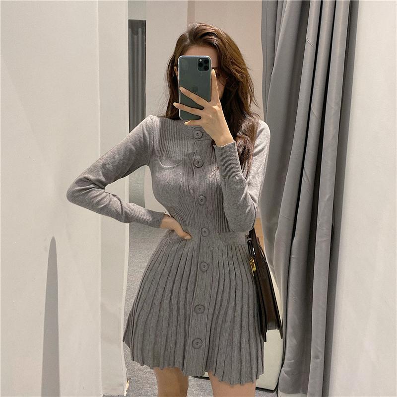 【ワンピース】ファッションギャザー飾り無地ニットワンピース25047487