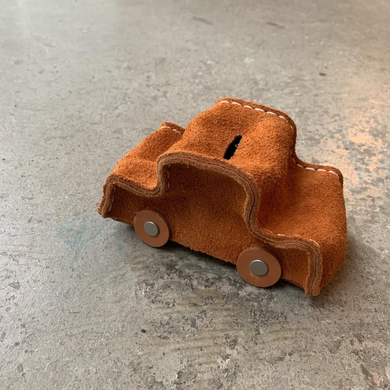 Hender Scheme - car