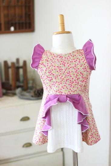 【80】燕尾フレアT*リボン付きTシャツ ベリー柄ピンク