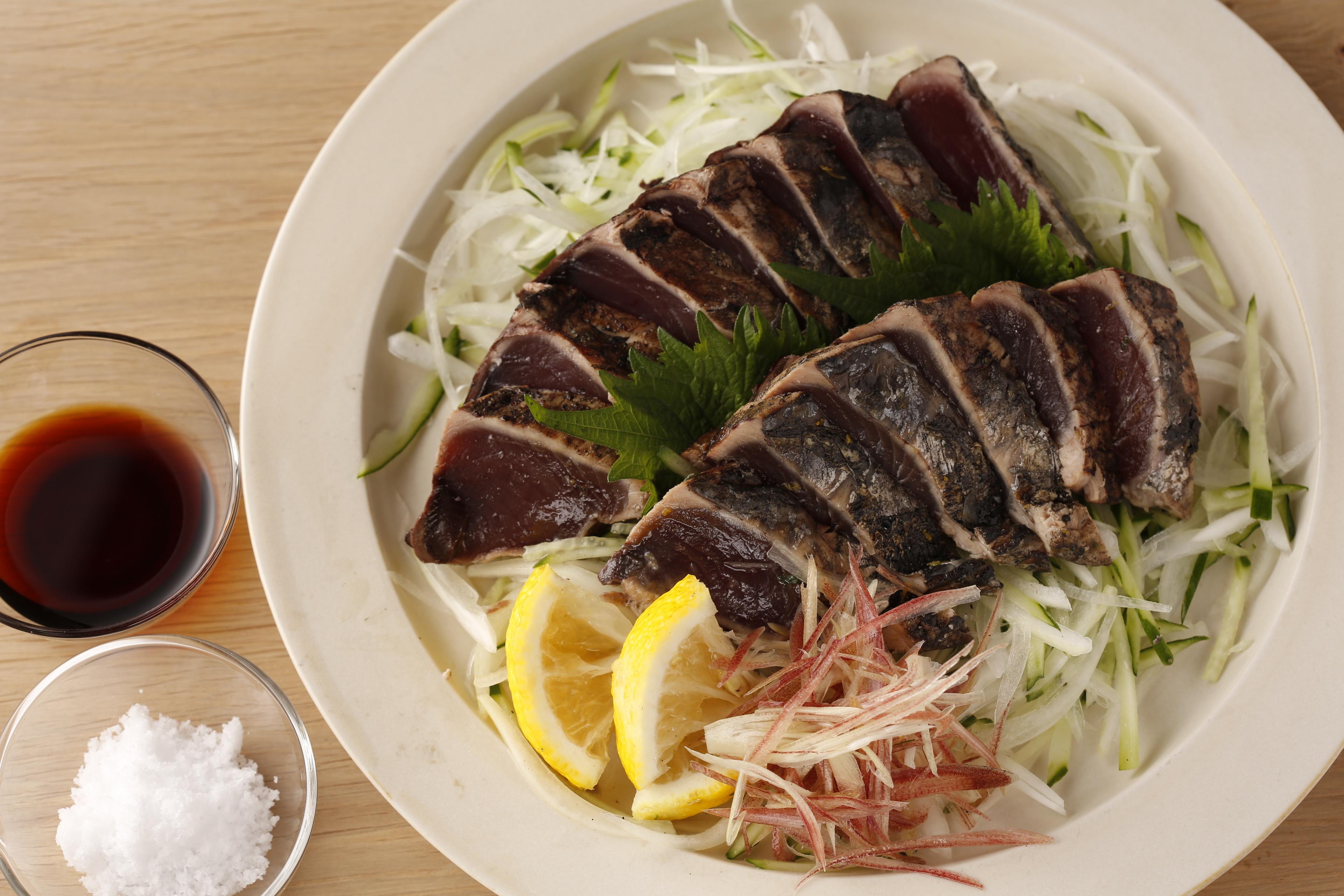 完全藁焼きカツオ(1節)※室戸海洋深層水塩+たたきのタレ付き
