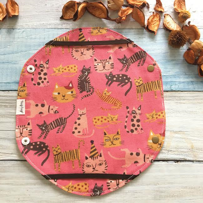 ミニホルダー 猫たちの散歩 ピンク