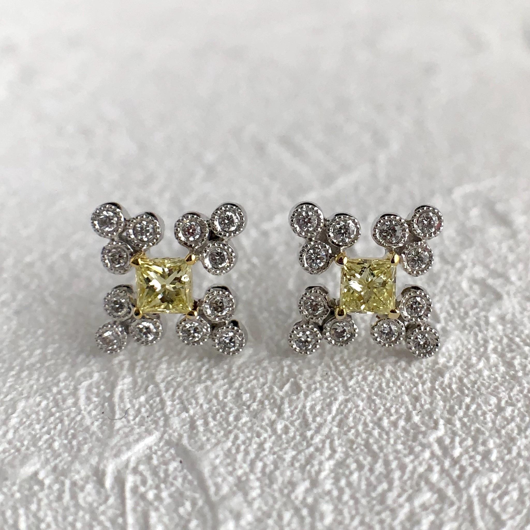 イエローダイヤモンド  デザイン ピアス  K18ホワイトゴールド チェカ