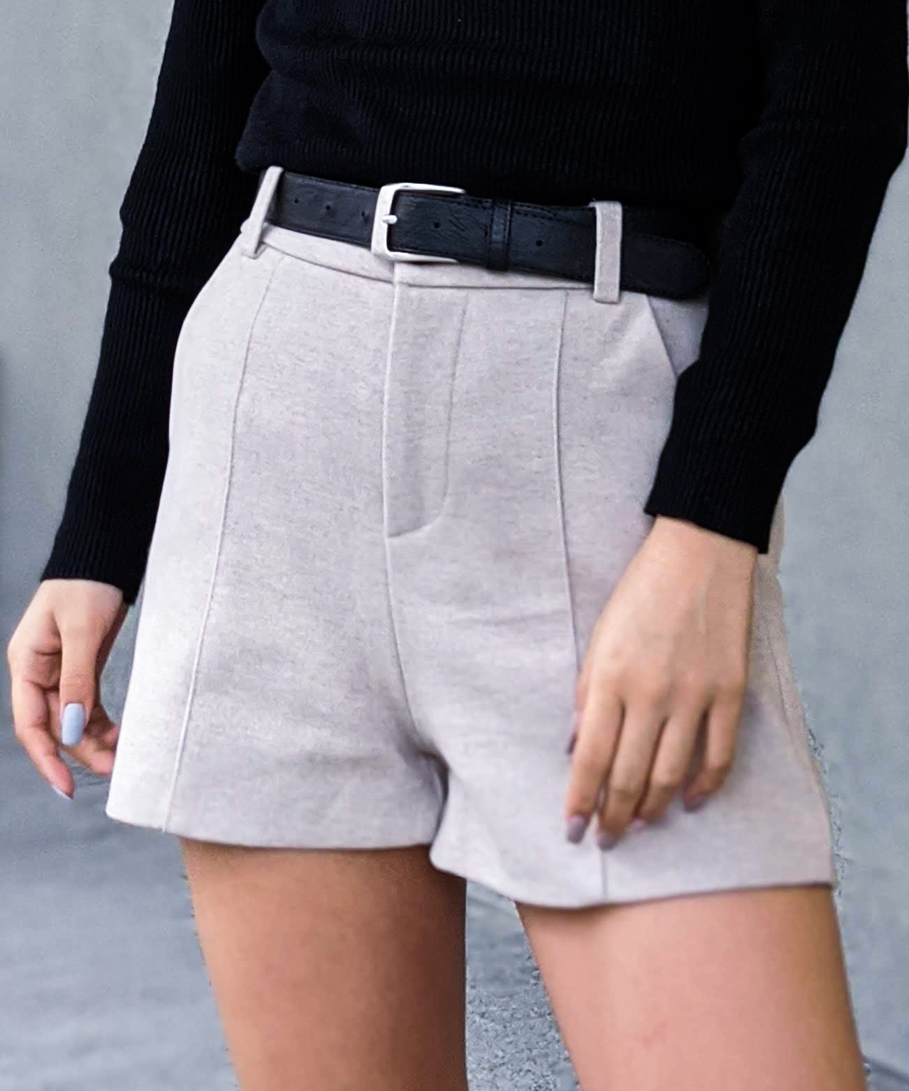 Pin tuck short pants