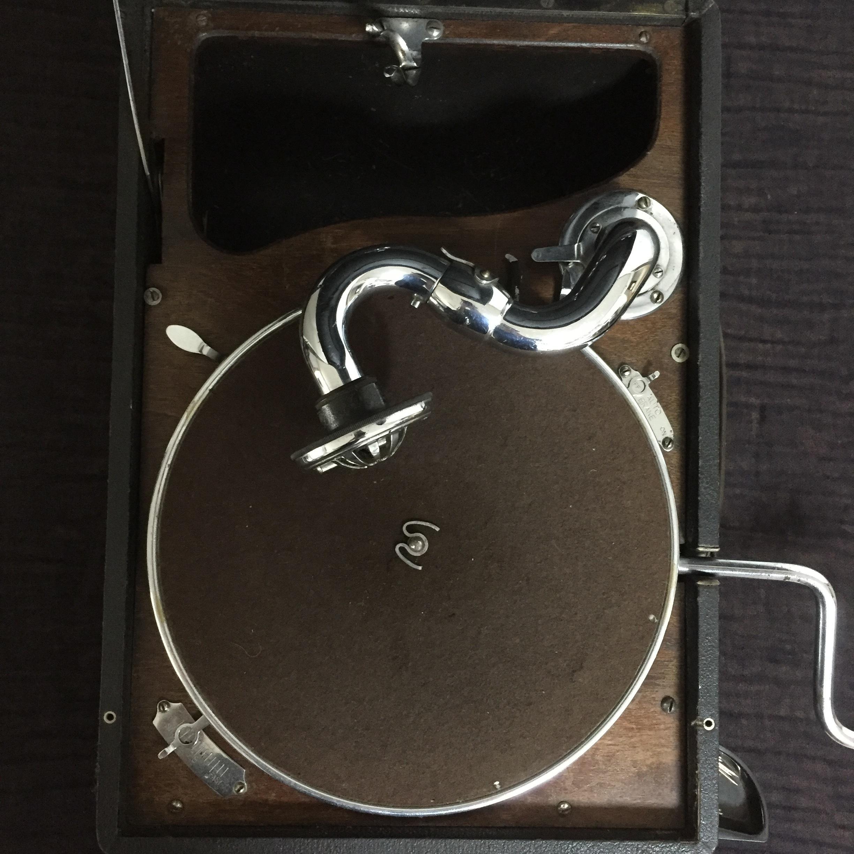 Antique Gramophone HMV 102 (Victor)