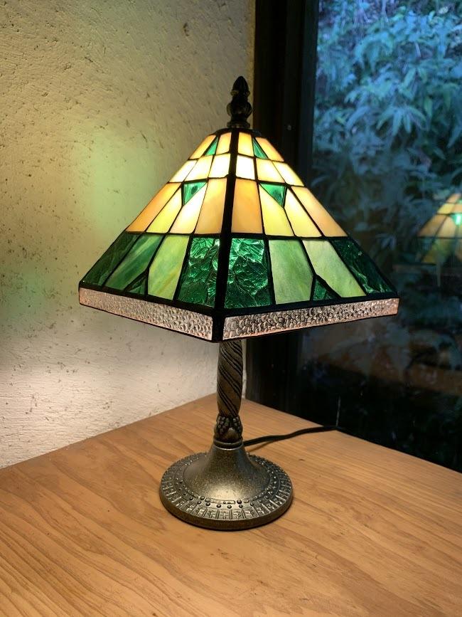 エジプシャン(ステンドグラスのテーブルランプ) 01020211
