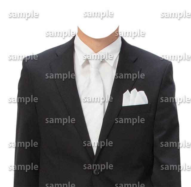 男性黒スーツ白ネクタイ正面