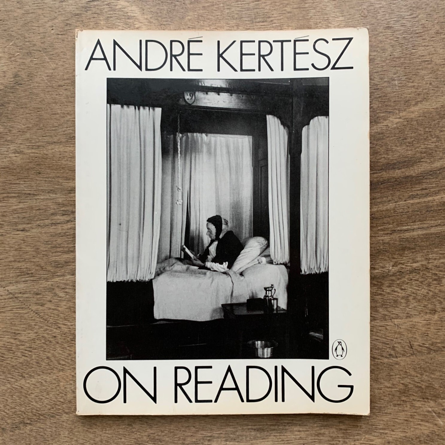 On Reading / Andre Kertesz (著) / Penguin Books