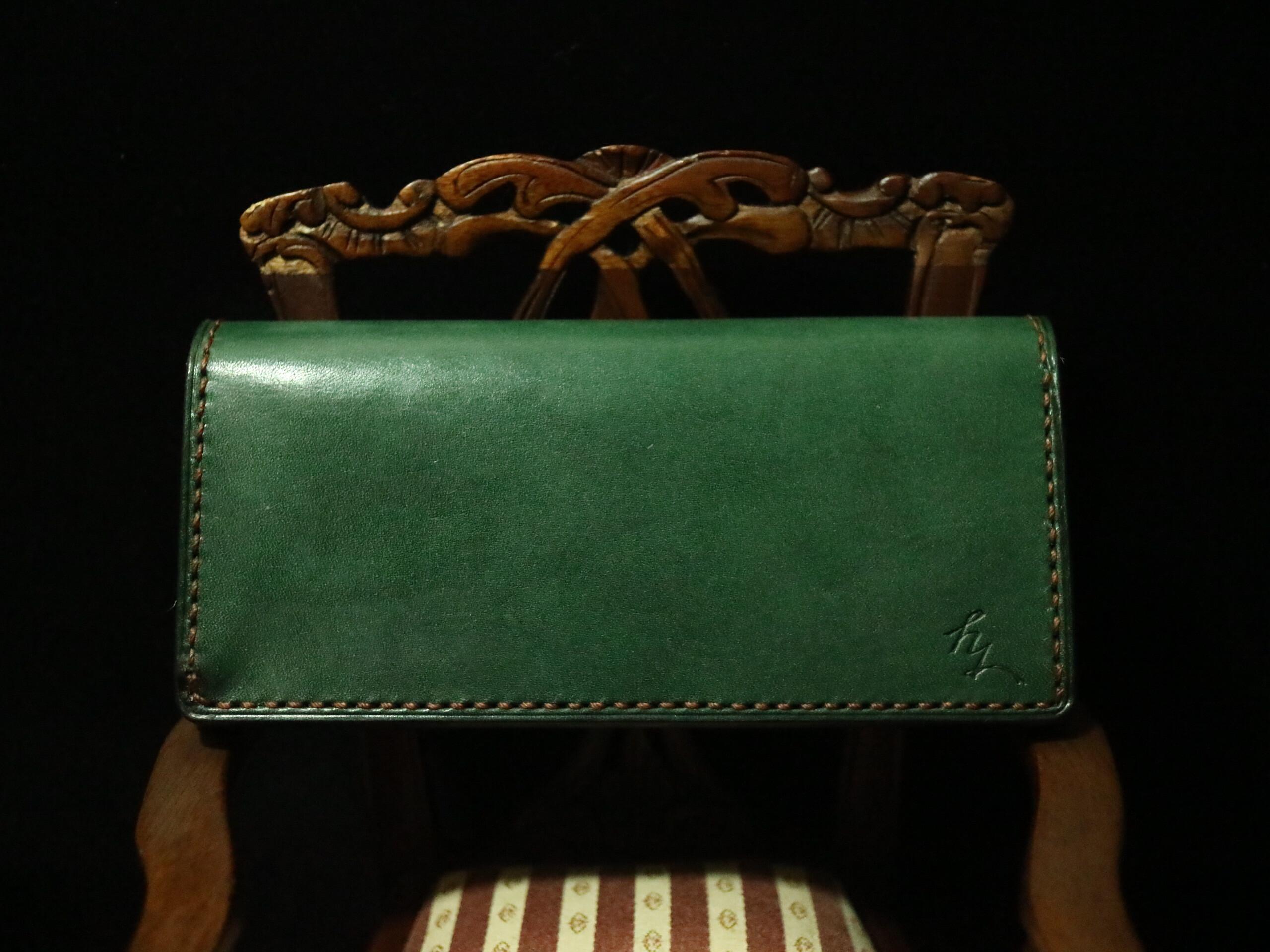 ロロマレザーの長財布 モスグリーンとブラウン