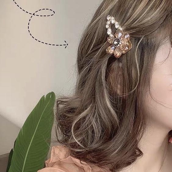 clear flower hair pin
