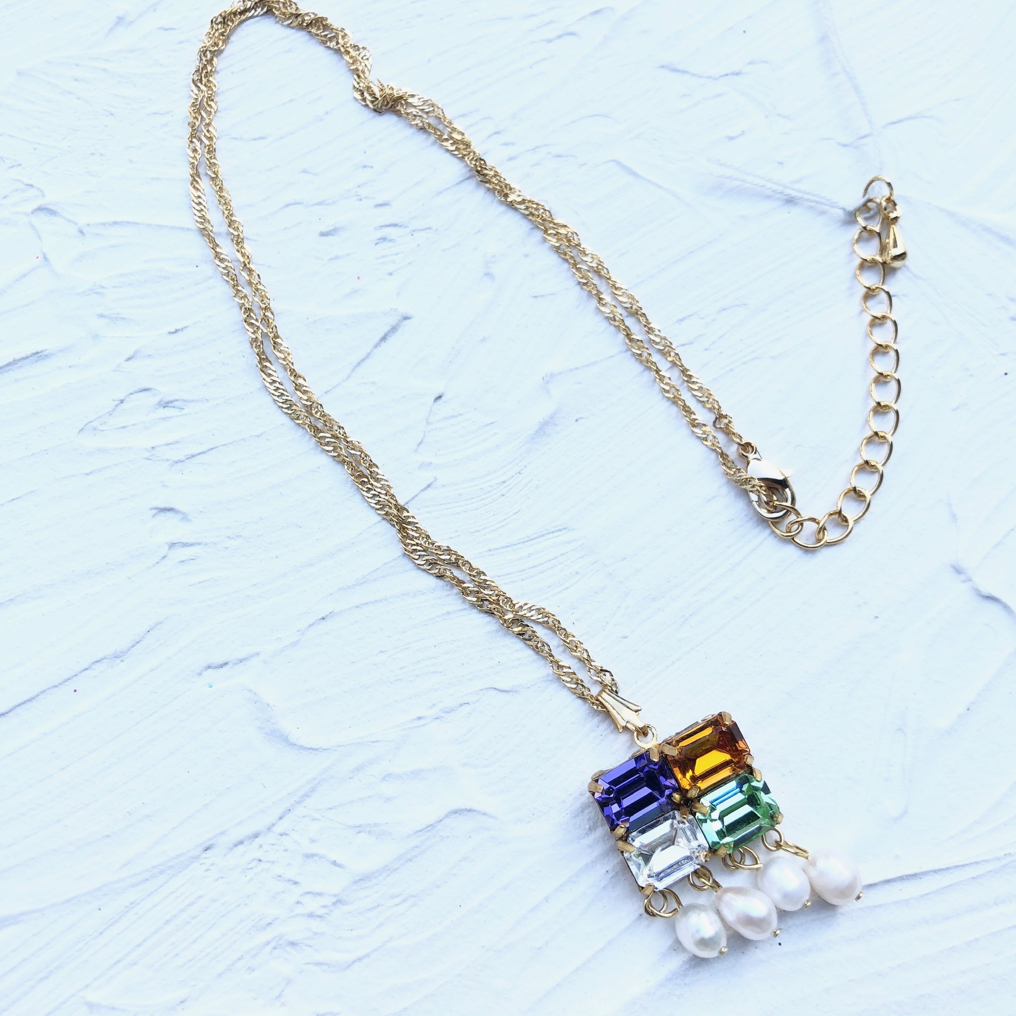 Mad Tea Salon neckless 1
