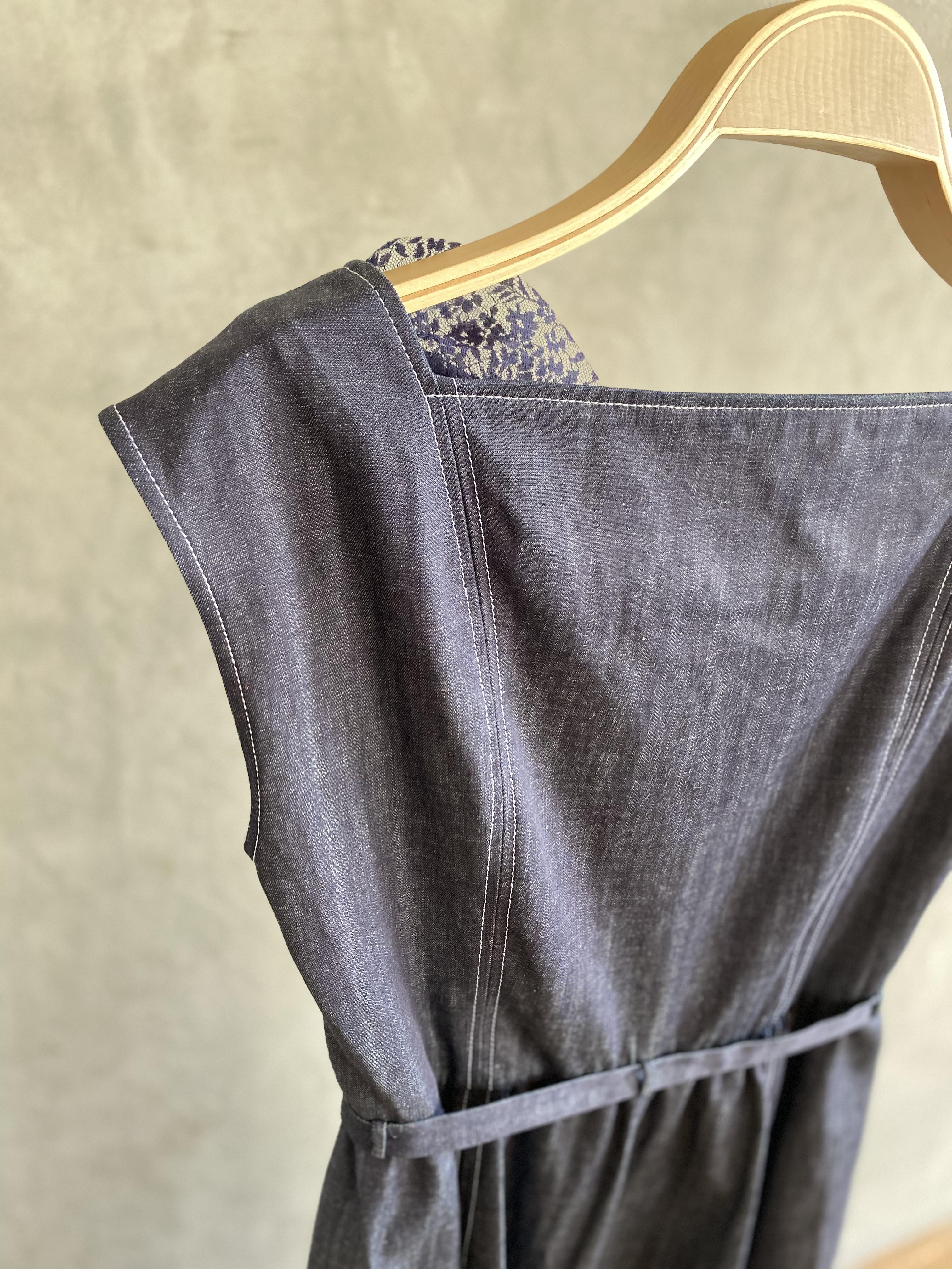 【受注生産・2月下旬〜4月頃お届け】Denim lace slit dress