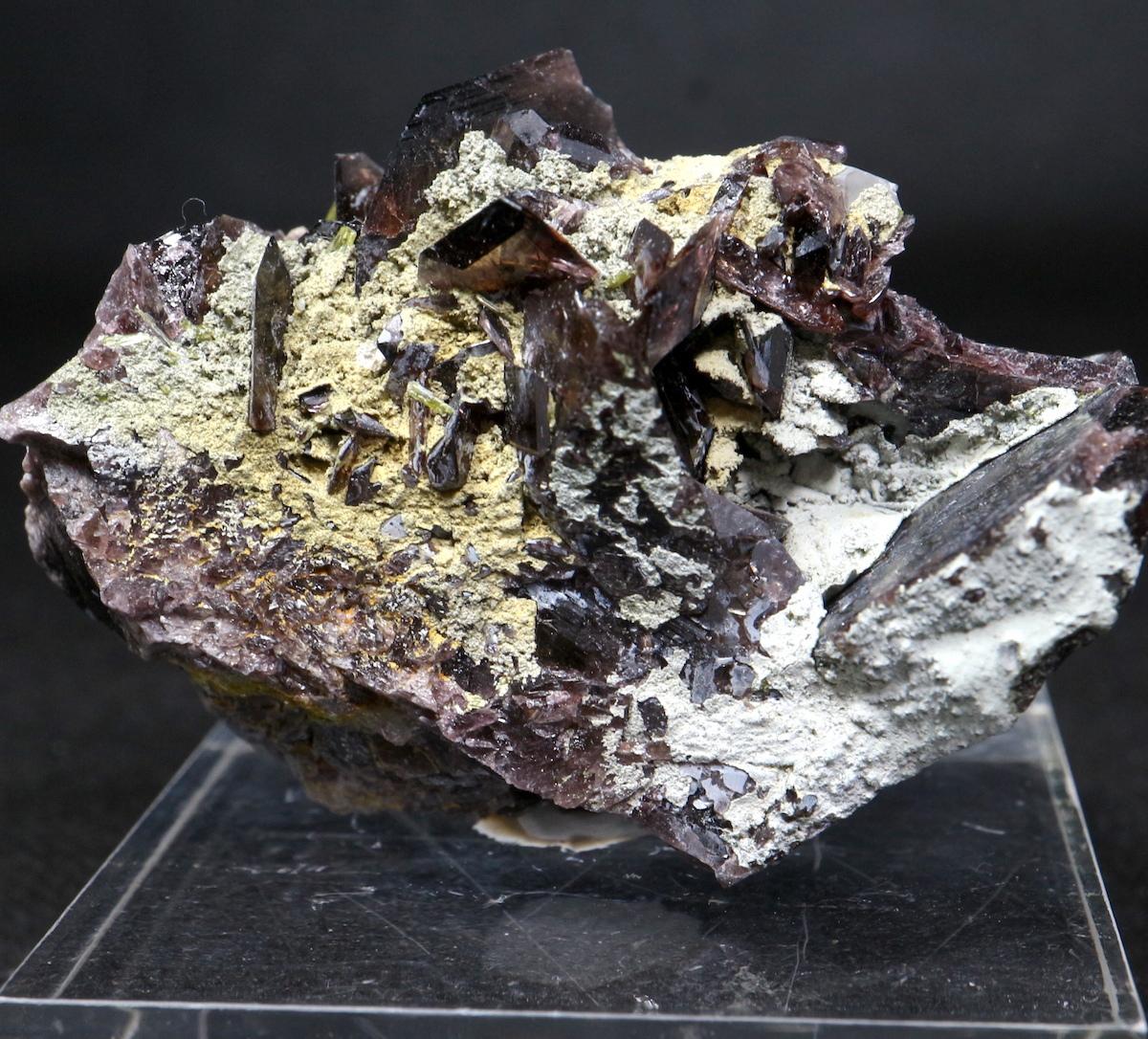 カリフォルニ産 鉄斧石  Fer002  65g 鉱物 原石 天然石 パワーストーン