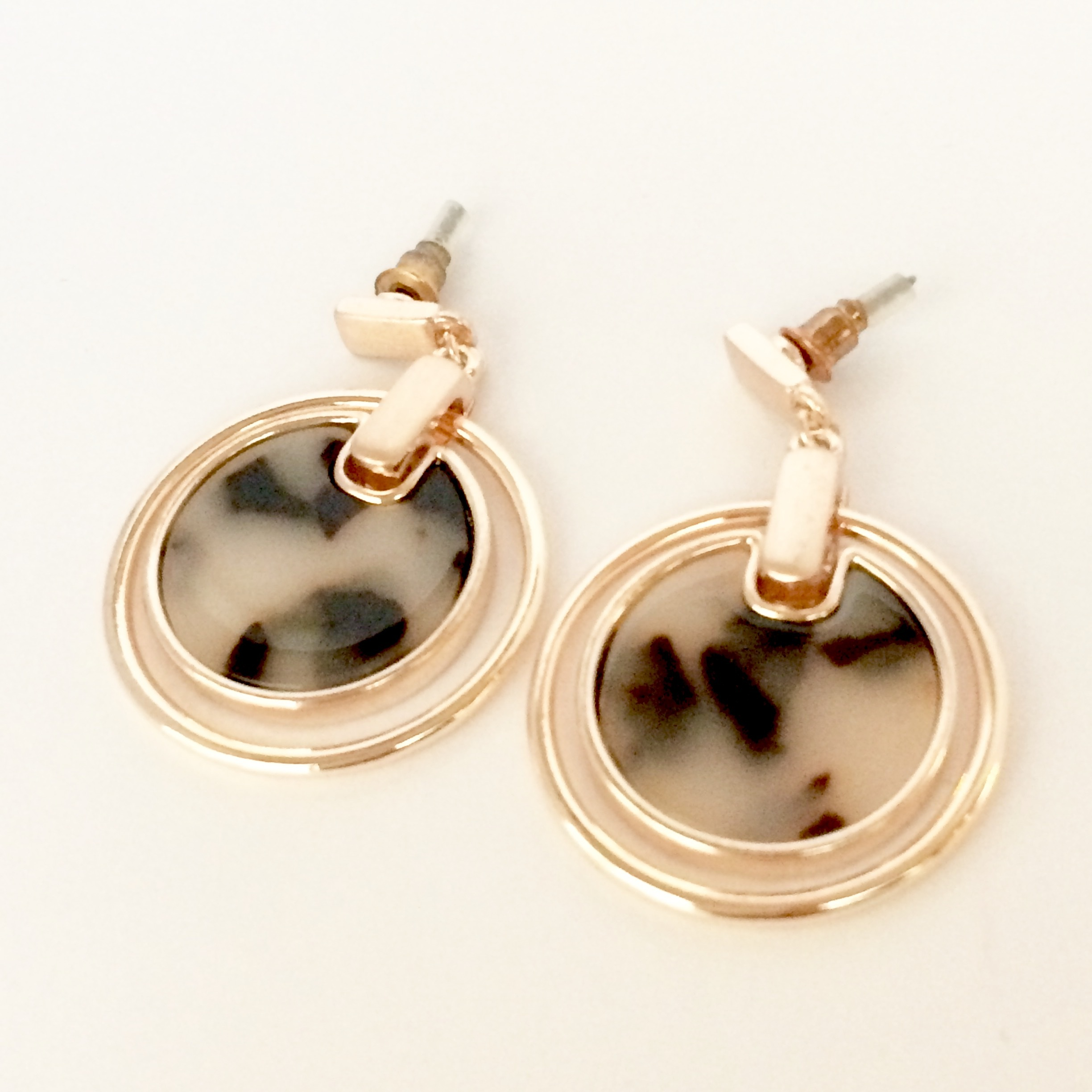 【 UNSEABLE 】Minimal Edge Earrings