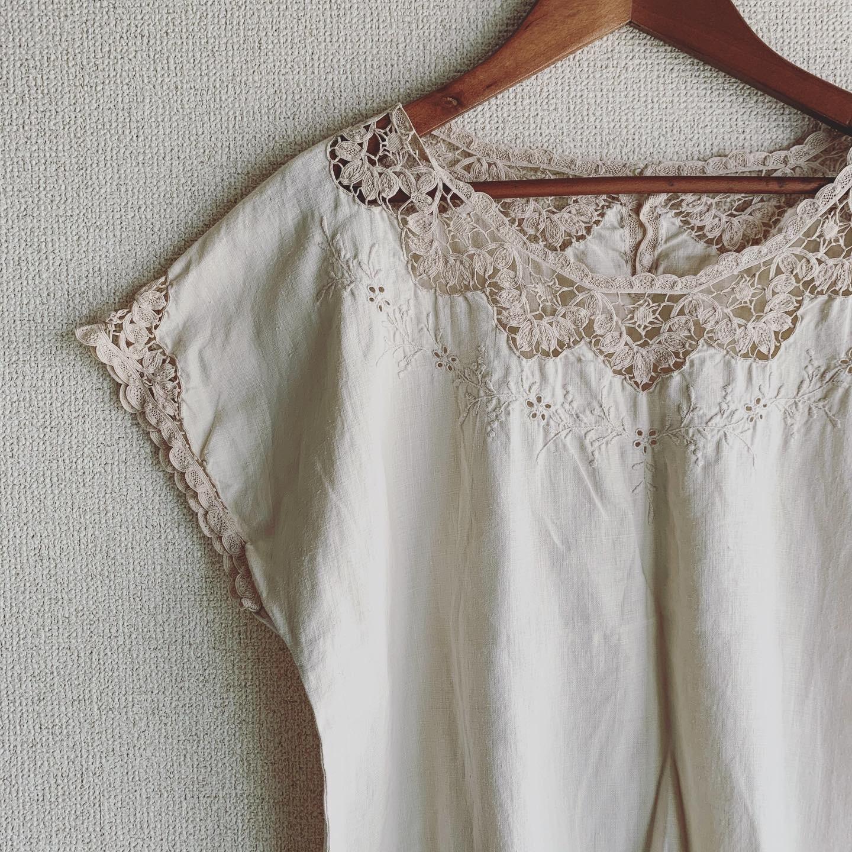 vintage lace linen tops