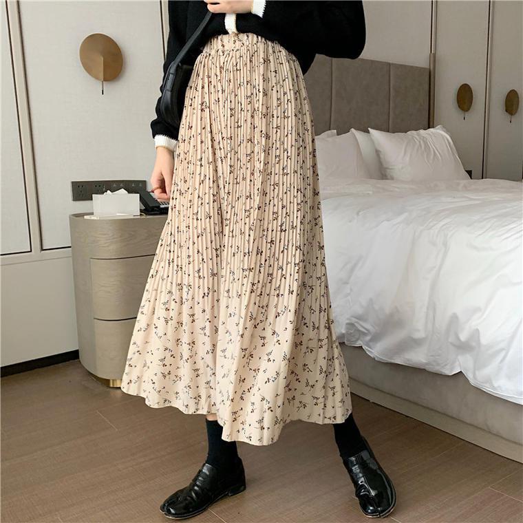 【送料無料】 レトロっぽさがかわいい♡ 大人可愛い 小花柄 プリーツ ふんわり シフォン ロング フレア スカート