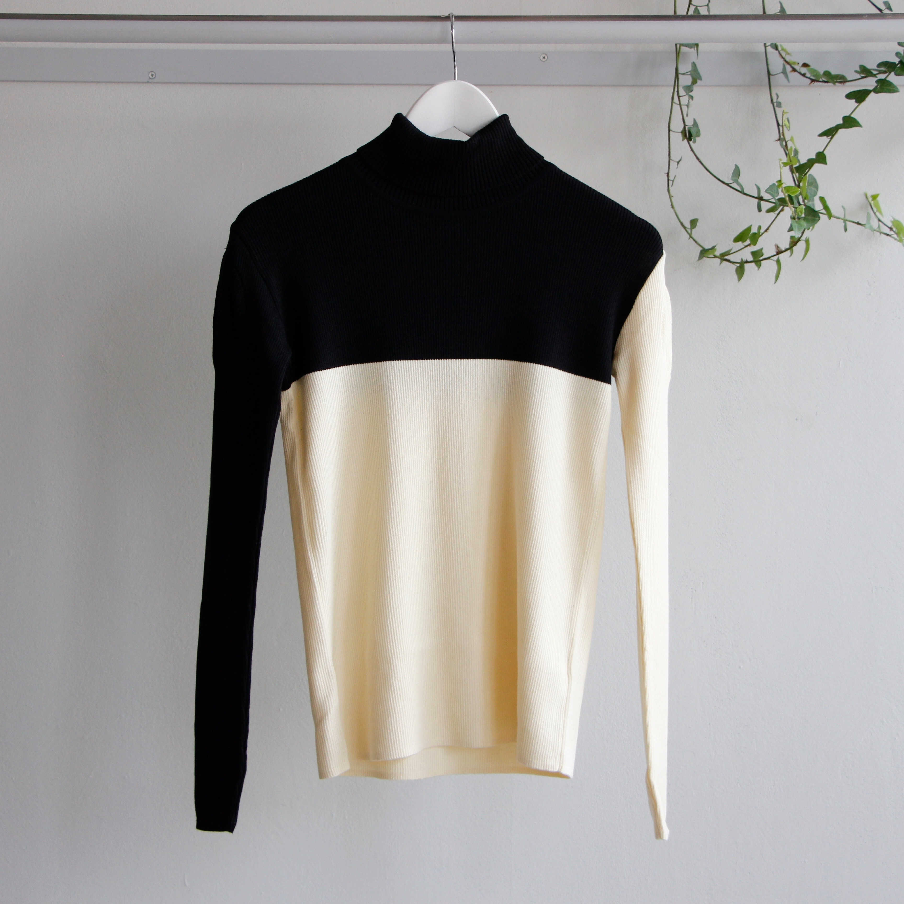 《frankygrow 2019AW》SWELL SHOULDER HIGH-NECKED KNIT / black × ivory / F(大人)
