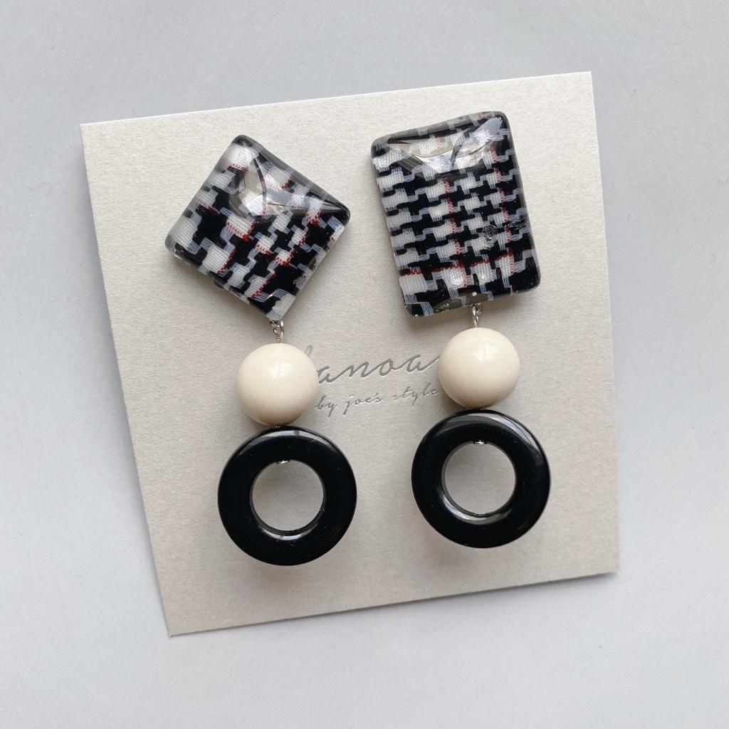 """"""" Earrings NO.danoan-129″ チェックアシメとフランスビーズ"""