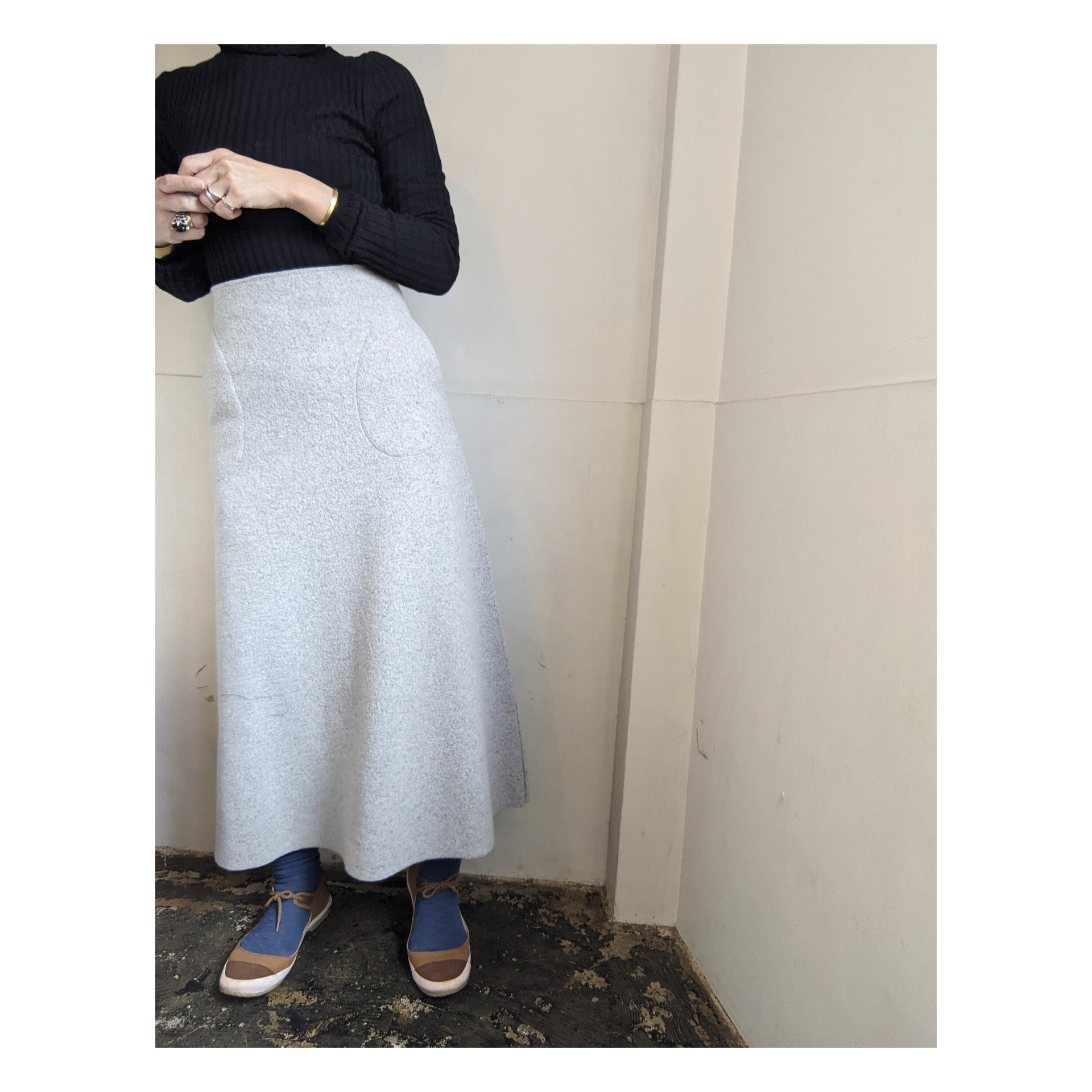 【 habille 】アビエ / wool ring yarn compressed jersey / wool skirt / フレアースカート / Grage グレージュ