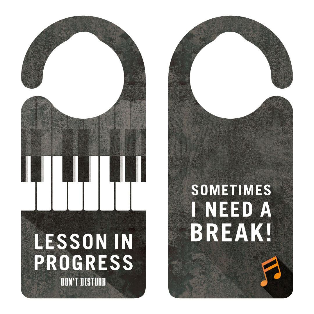 【新形状】LESSON IN PROGRESS 練習中 ピアノ[1131] 【全国送料無料】 ドアノブ ドアプレート メッセージプレート