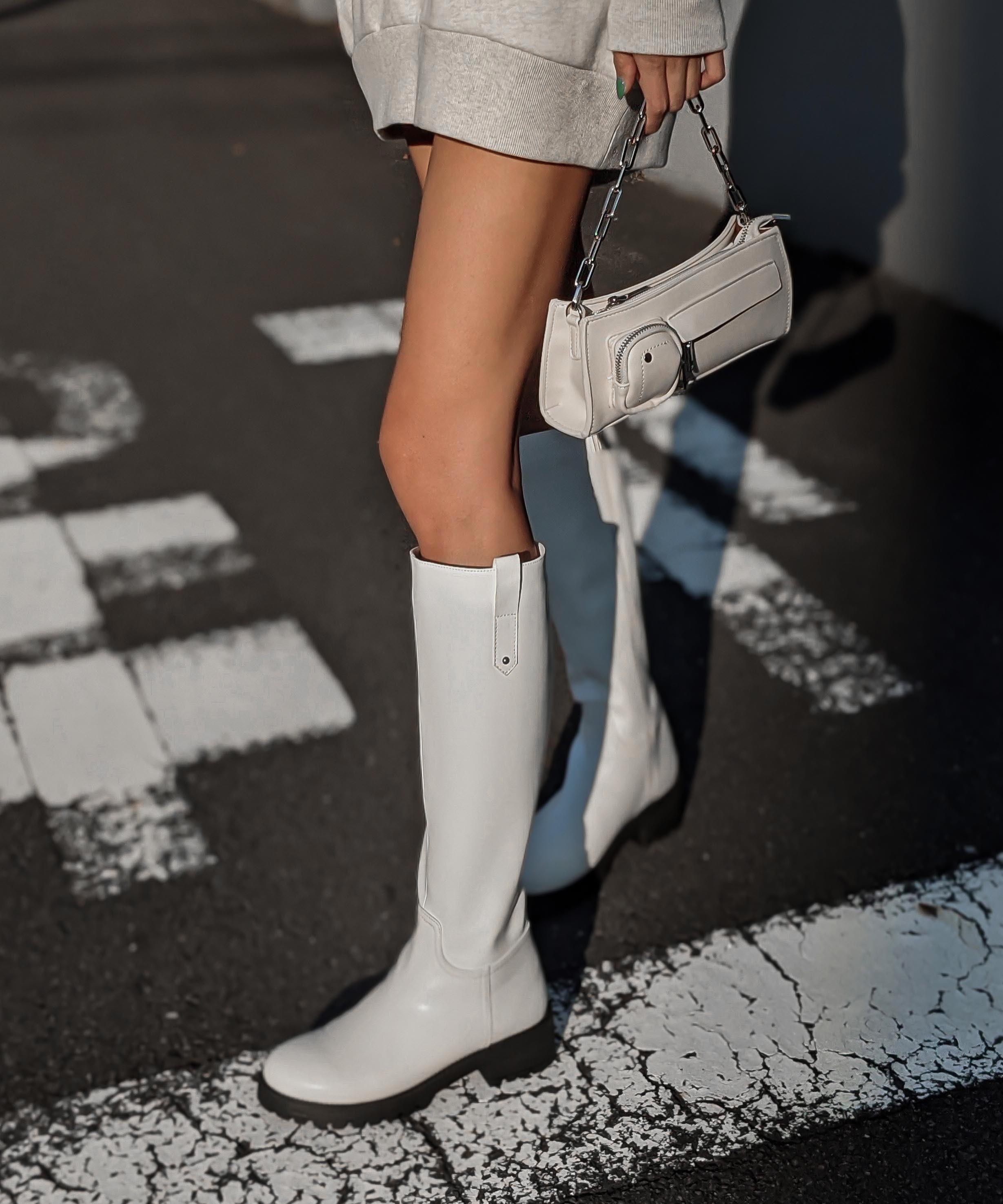 Lug sole long boots