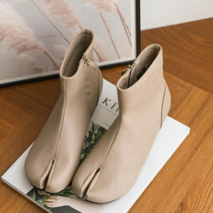 【送料無料】おしゃれアイテム ♡ トレンド きれいめ ローヒール 足袋ブーツ ショートブーツ