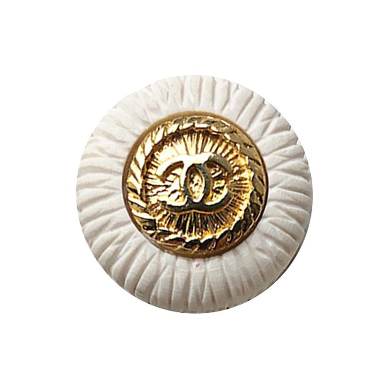 【VINTAGE CHANEL BUTTON】ホワイト ゴールド×ホワイト縁取り ココマークボタン (大)