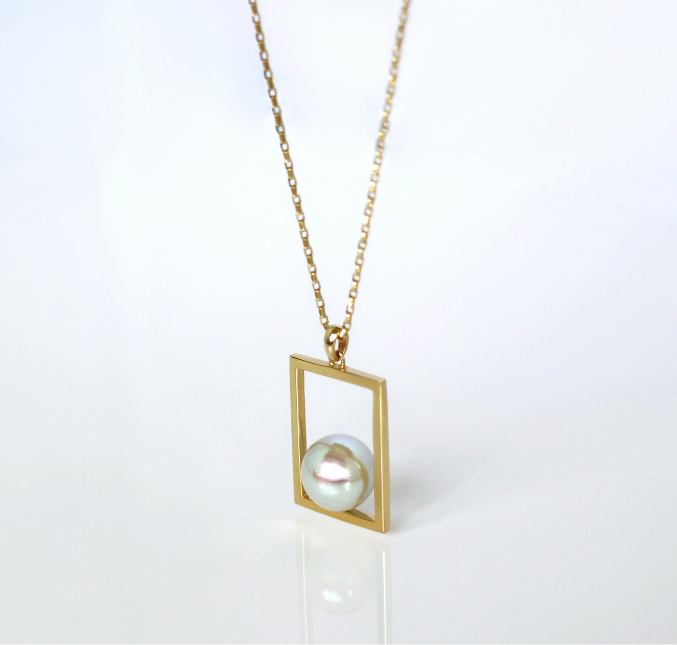 FREELY / Necklace (Natural Grey)