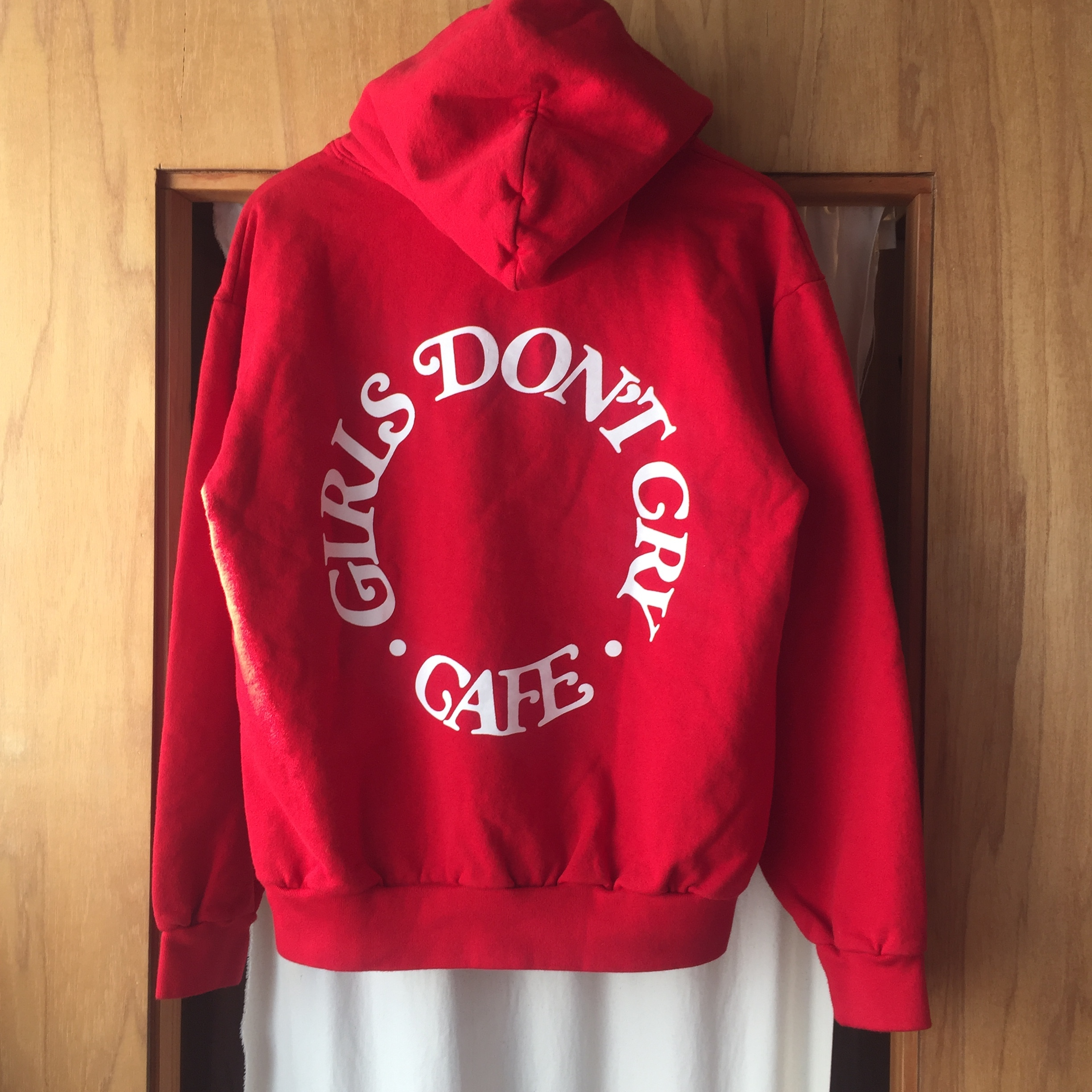 Girl Don't Cry x Hype Fest限定 GDC CAFE Hoodie