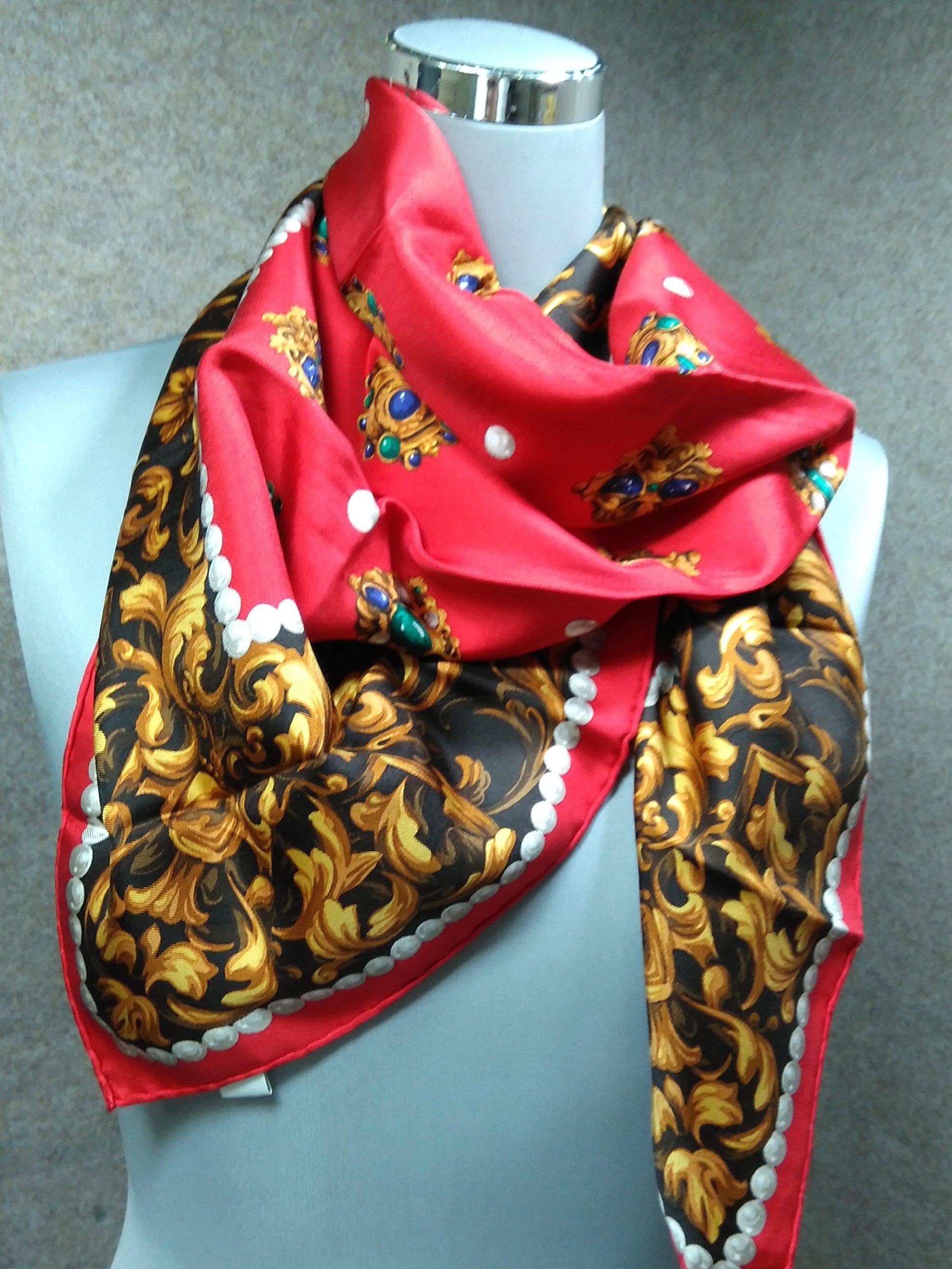 クリスチャン・ディオール スカーフ シルク 絹 赤系 mu888e