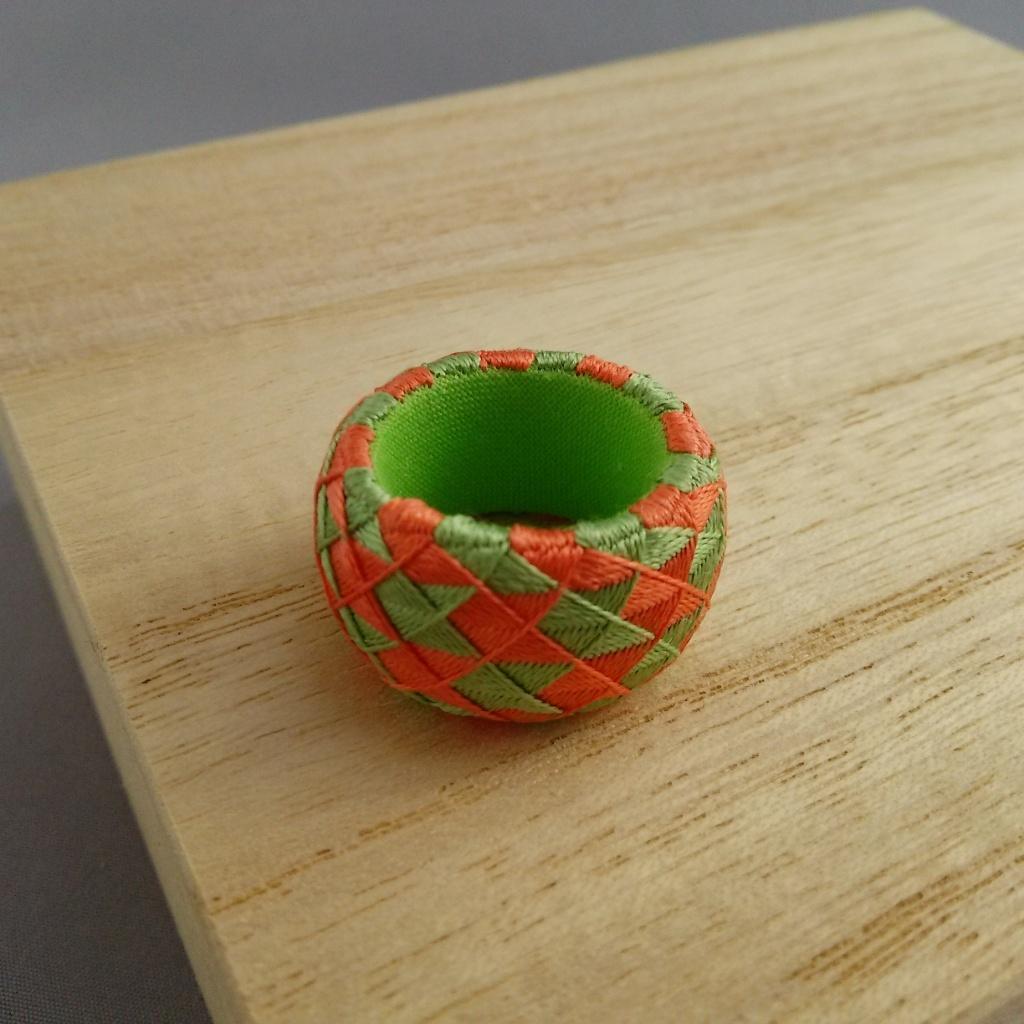加賀ゆびぬき・矢羽根(薄緑とサーモンピンク)