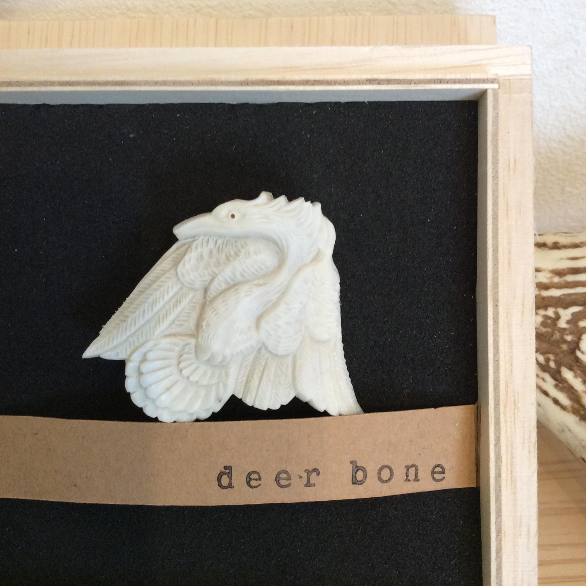 鹿骨彫刻のブローチ「sprite」フェニックス