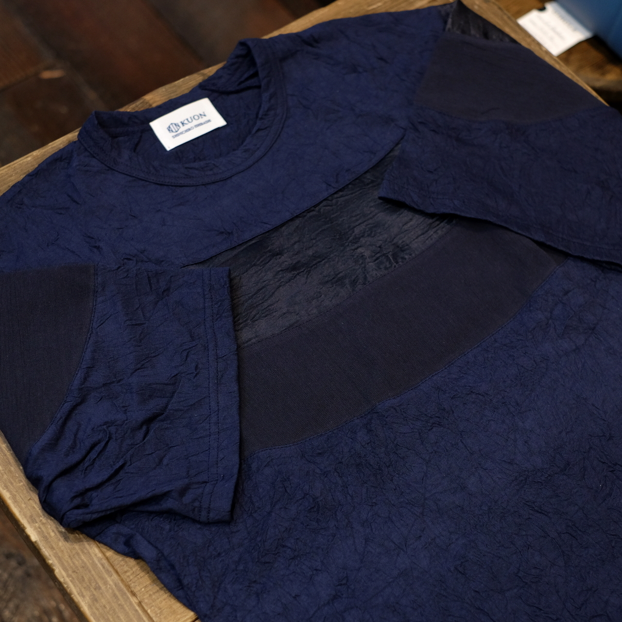 KUON(クオン) 和紙クレープ・アセテート キャップショルダーリンクルTシャツ ネイビー