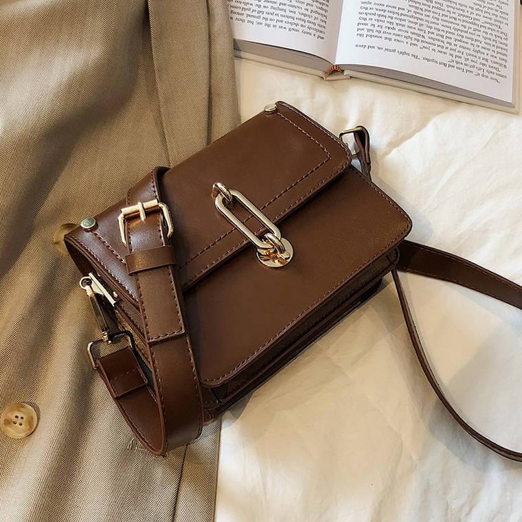 【送料無料】 おしゃれ格上げアイテム♡ ミニサイズ ショルダーバッグ 高見え スクエアバッグ 肩掛け 鞄