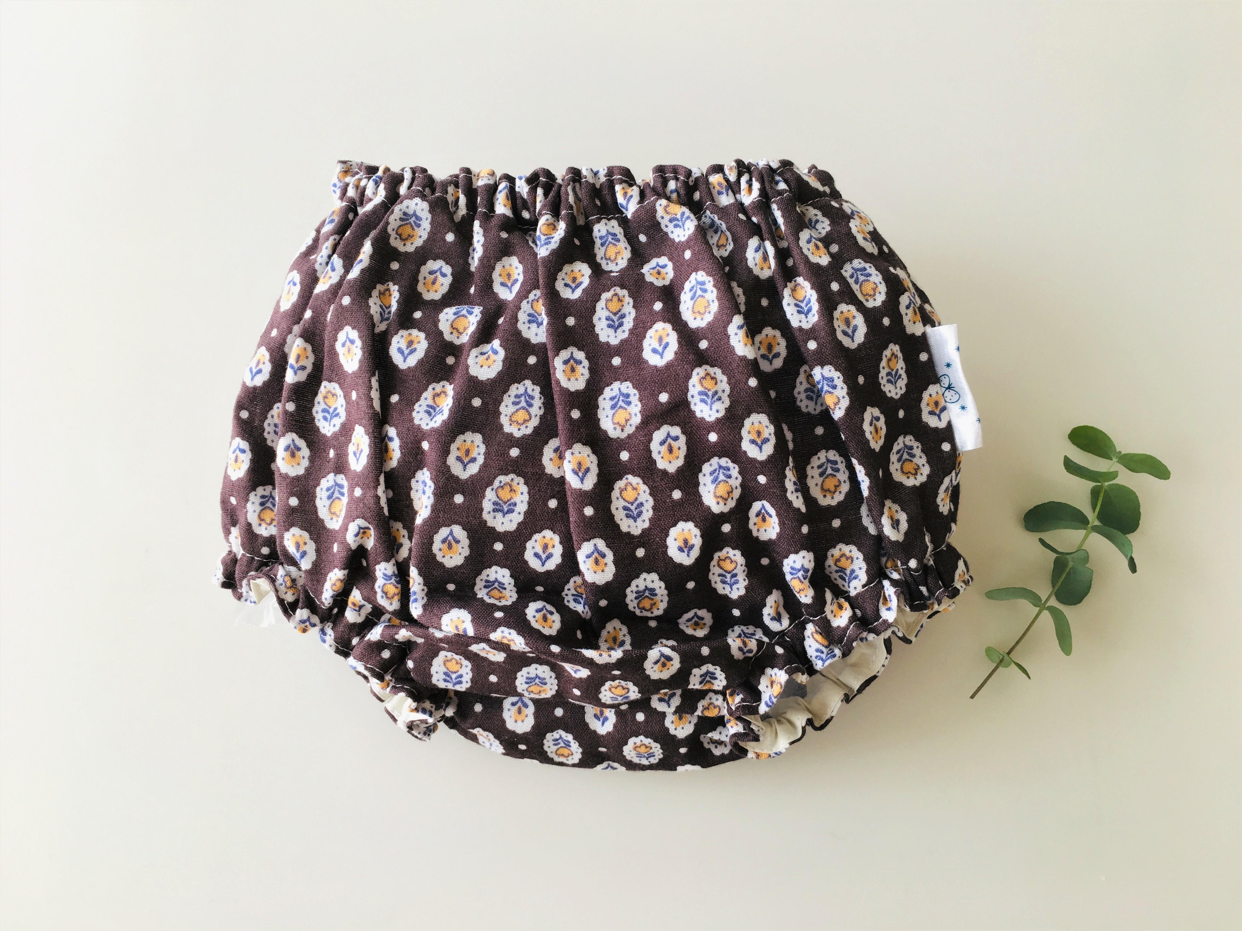 ダブルガーゼのベビーブルマ・茶色花柄